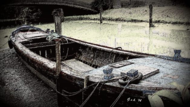 The antique wooden boat..