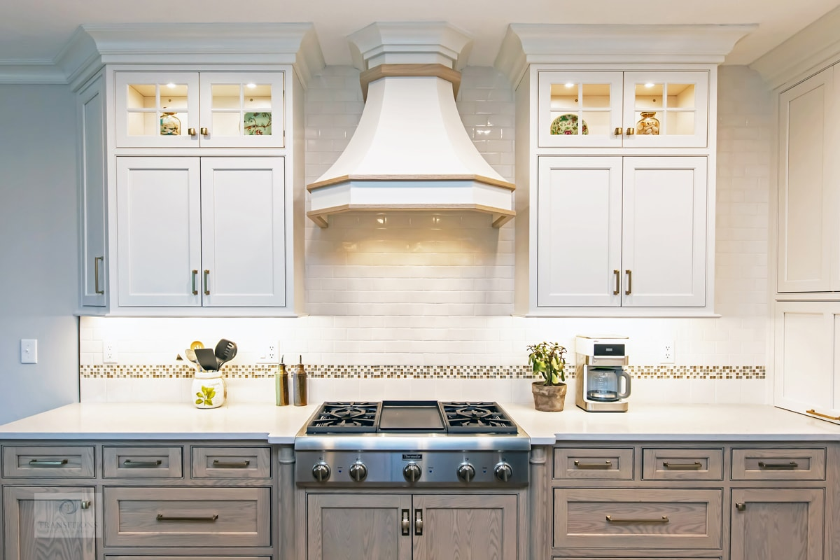 style with glass front kitchen cabinets