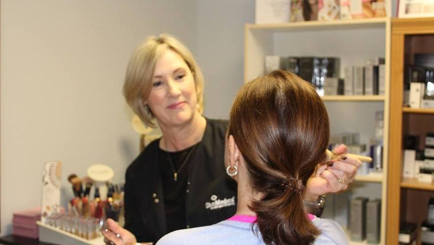 choose the skin care products and cosmetics that are just right for you