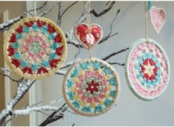 crochet-christmas-ornament-handmade