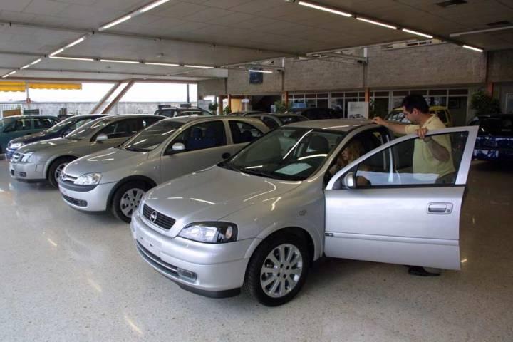 Concesionaria de autos nuevos - Carsmagazine