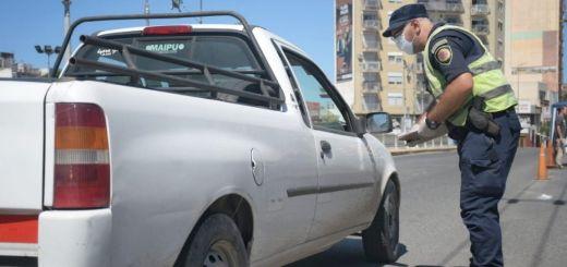 Control Policia Coronavirus Cuarentena Permiso Circular