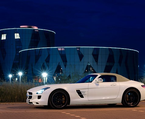 Mercedes-Benz SLS AMG Roadster: The Gullwing becomes a Hot Rod