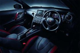 2013-Nissan-GT-R-G8