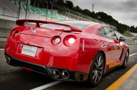 2013-Nissan-GT-R-Sendai-Circuit-G6