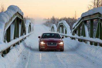 Jaguar-XJ-Arctic-Circle_G4