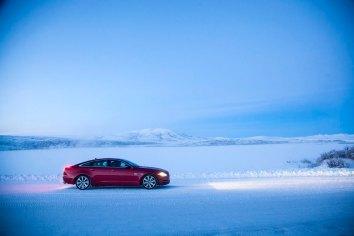 Jaguar-XJ-Arctic-Circle_G8