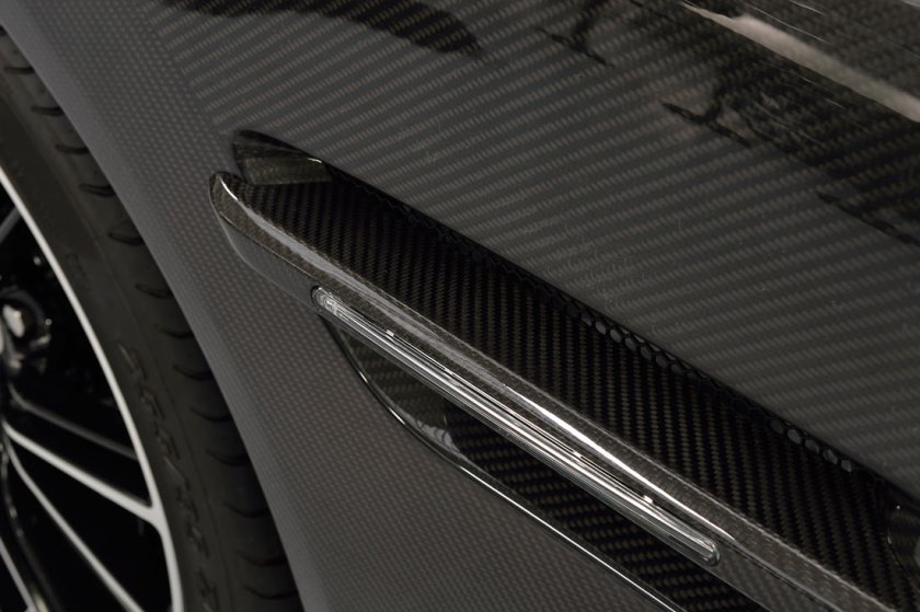 Aston-Martin-Vanquish-VH_G9