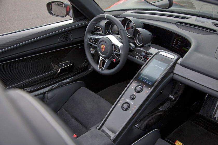 Porsche-918-Spyder-review_G5