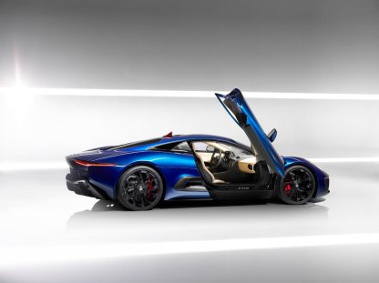 Jaguar-C-X75-video_G23