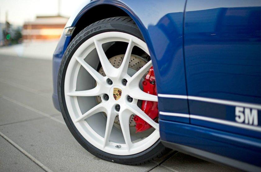 Porsche-5Million-Fans-911C4s_G12