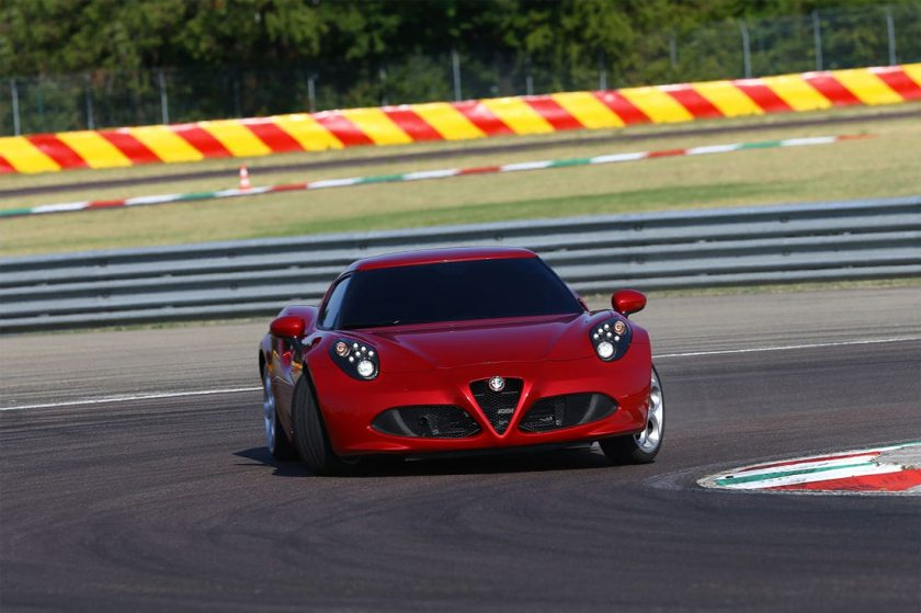Alfa-Romeo-4C-Launch_G6
