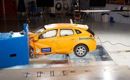 Volvo-crash-lab-11-Feb_11