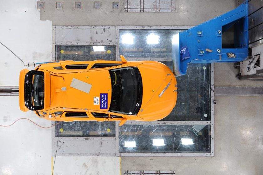 Volvo-crash-lab-11-Feb_16