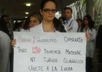 Médicos exigen a la Defensoría del Pueblo velar por derecho a la salud