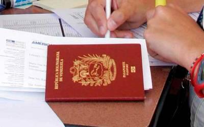 Transparencia Venezuela inició recolección de firmas para solicitar al Gobierno que agilice la entrega de pasaportes