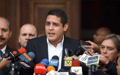 Diputado Olivares alerta que constantes cambios en despacho para la salud agudizará la crisis