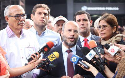 Jorge Millán se convierte en el quinto diputado a quien le anulan el pasaporte