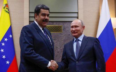 Pese a acuerdos mil millonarios con Rusia en materia petrolera, la producción venezolana está en mínimos históricos