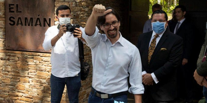 Después de tres años el diputado Freddy Guevara salió de la embajada de Chile