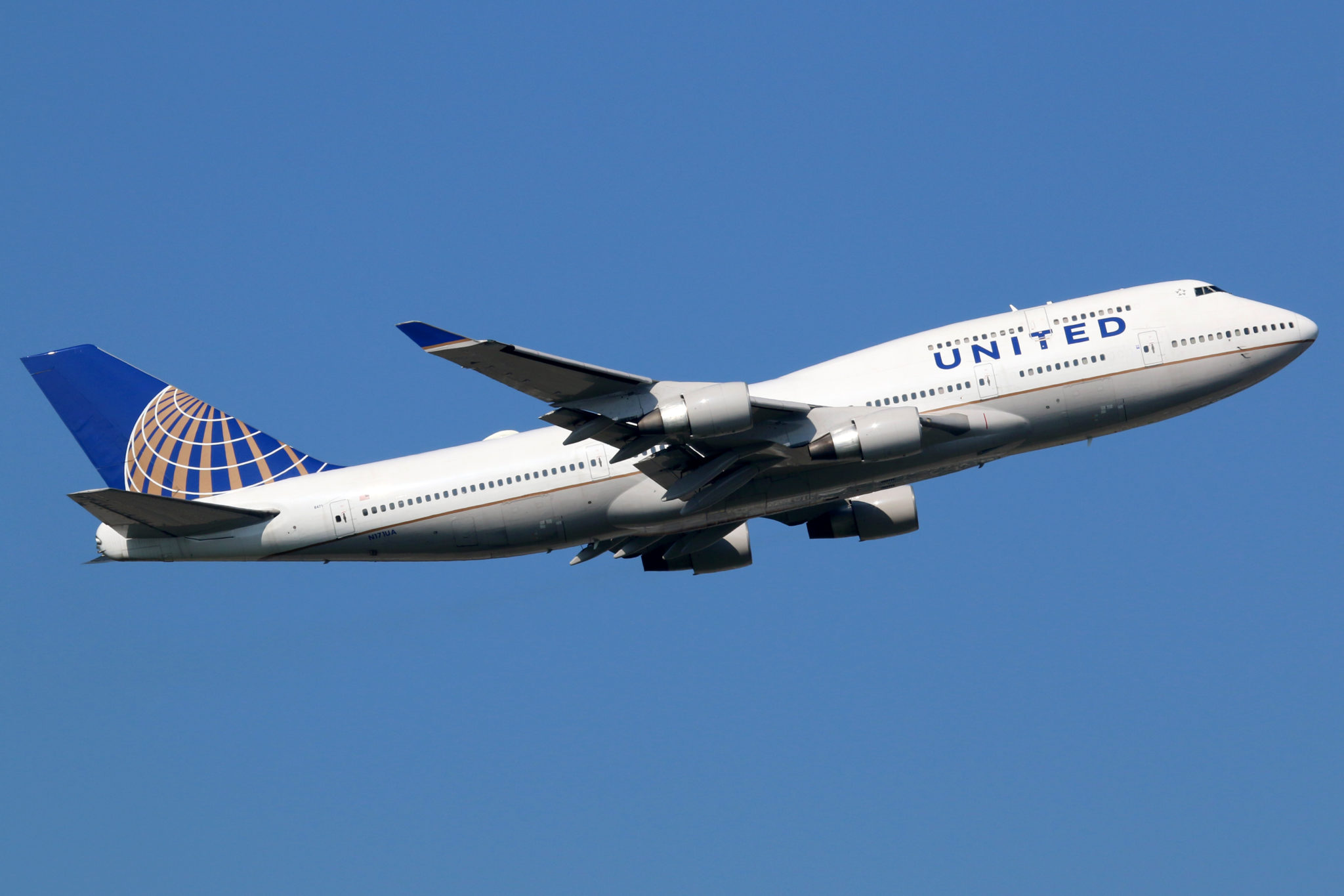 United Airlines to lay off 16,000 workers
