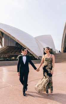 beautiful bride and groom photography opera house