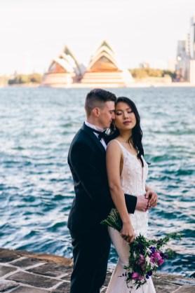 Australian bride and groom wedding photo at opera house_04