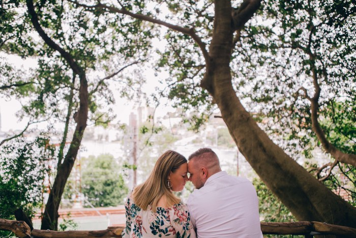 Engagement photoshoot at Wendy Whiteley's Secret Garden Lavender Bay_04