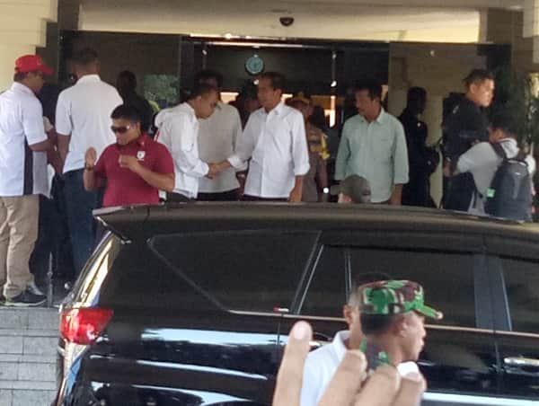 jokowi and staf rental car in batam