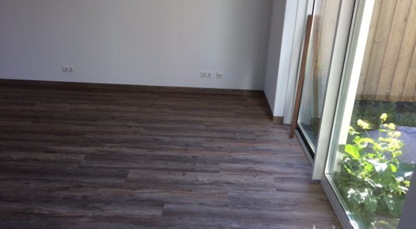 PVC vloeren Piet schipper vloerstoffering en trapstoffering Brielle