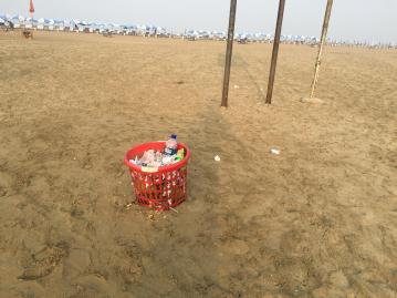 Beach Trash Can (2)