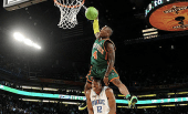 Nate Robinson wins the slam dunk contest