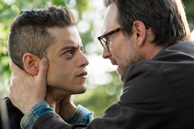 "MR. ROBOT -- ""m1rr0r1ng.qt"" Episode 109 -- Pictured: (l-r) Rami Malek as Elliot Alderson, Christian Slater as Mr. Robot -- (Photo by: Virginia Sherwood/USA Network)"