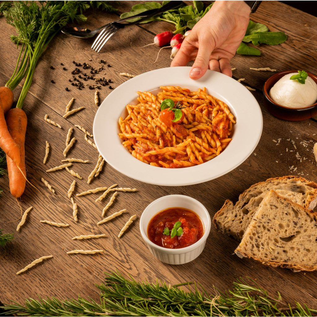 Pasta à la sauce tomate basilic et mozza Trattino
