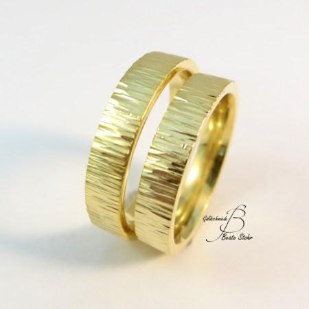 Trauring Rinde breit Gold