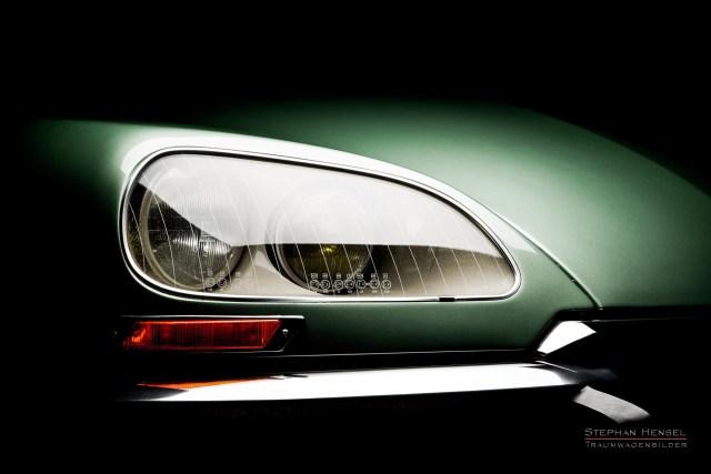 Citroën DS (DSuper5), Detailansicht Frontscheinwerfer rechts, Autofotograf: Stephan Hensel, Hamburg, Oldtimerfotografie