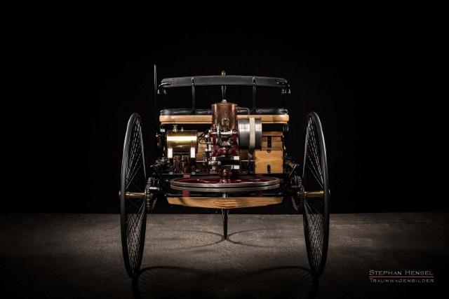 Benz Patent-Motorwagen Nr.1, Das erste Automobil, Ansicht von hinten, Oldtimerfotografie: Stephan Hensel, Hamburg, Oldtimerfotograf, Oldtimer, Oldtimerfotografie