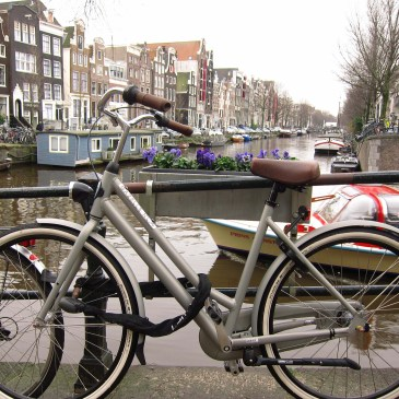 Amsterdam – Canals, weed and cheese! – Part 1