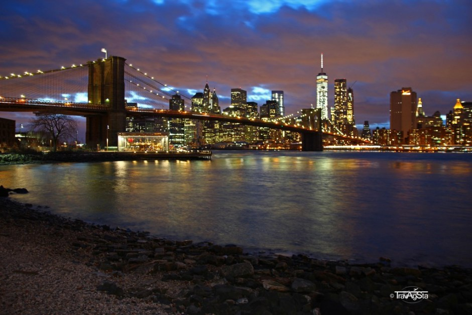 Brooklyn Bridge Park - View of Downtown Manhattan, USA