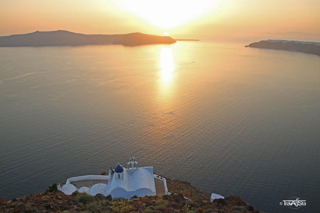 Skaros Rock, Imerovigli, Santorini, Greece