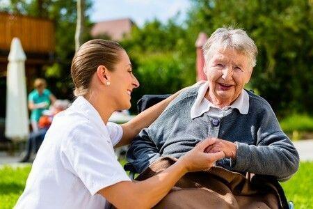 accompagner des personnes âgées