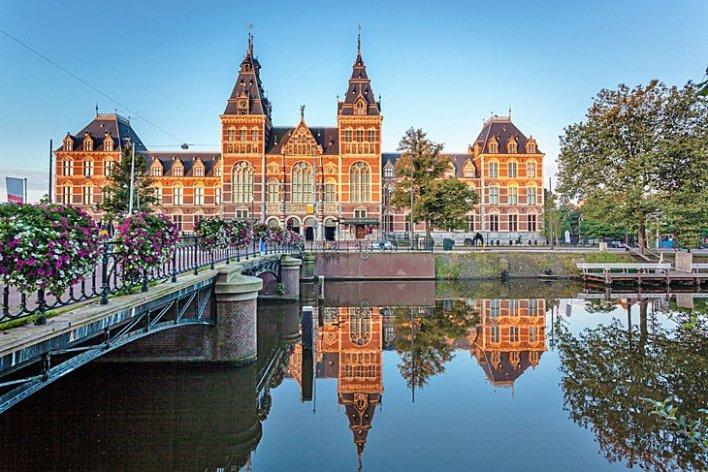 أفضل 10 أماكن سياحية في هولندا - Travboat