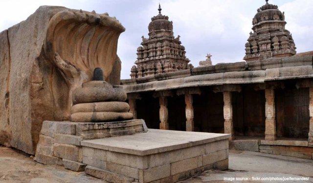 Famous Pilgrimage Places in South India :Lepakshi Temple