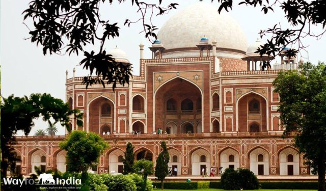 Best Tourist Places In India : Delhi Humayu Tomb