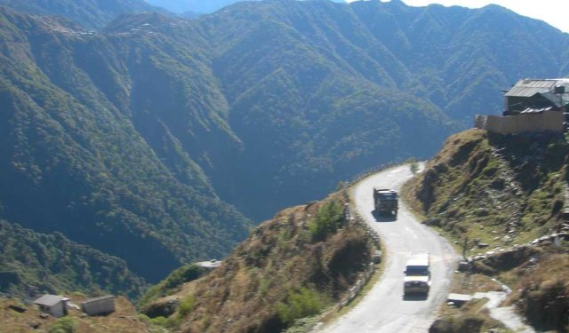 Road trips in India : : Gangtok to Nathu-La Pass and Lake Tsomgo