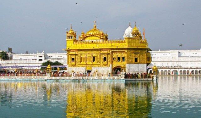 Golden Temple Amritsar Travel Guide