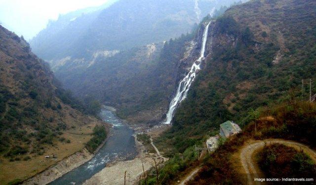 Famous Waterfalls In India : Jang Waterfall
