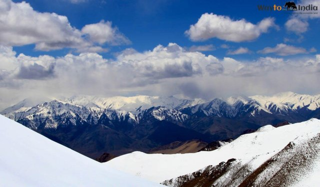Scale New Heights at Rohtang Pass