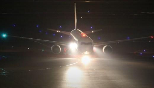 なぜ飛行機に乗るのは左側から?航空機と船の意外なつながり