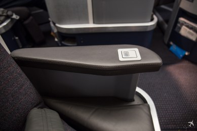 American Airlines Business Class Armlehne